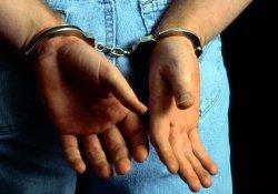 Patnos'ta 5 polis ile 3 rütbeli asker gözaltına alındı