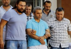 Alanya'da 25 akademisyen gözaltına alındı