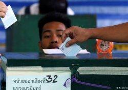 Tayland'da anayasa referandumu