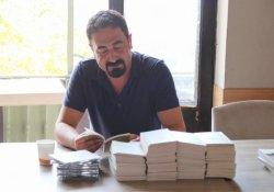 Mikail Aslan kaleme aldığı 'Xayis' adlı kitabını tanıttı