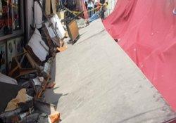 Karaköy'de lokantanın duvarı çöktü: 3 yaralı