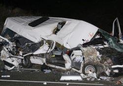 Minibüs ile askeri araç çarpıştı: 5 yaralı