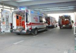 Sepetli motosiklet devrildi: 4 yaralı