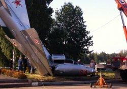 Uçak yere çakıldı!