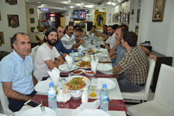 Kamu emekçileri ile basın emekçileri yemekte bir araya geldi