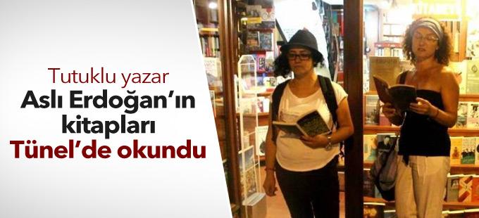 Tutuklu yazar Aslı Erdoğan'ın kitapları Tünel'de okundu