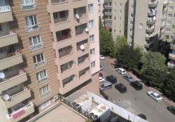 Azadiya Welat'ın Diyarbakır'daki merkez bürosuna baskın