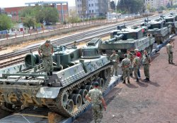 Maltepe askeri birliklerinin taşınması sürüyor