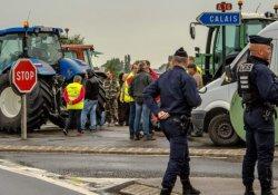 Mülteci kampının kapatılması için Calais'de gün boyu protesto