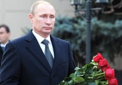 Putin, Kerimov'un mezarını ziyaret etti