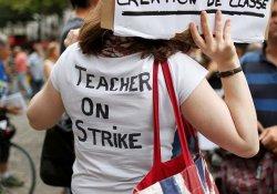 Fransa'da öğretmenler grevde