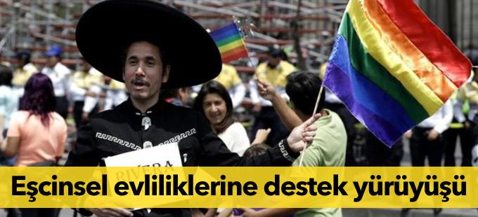 Meksika'da eşcinsel evliliklerine destek yürüyüşü