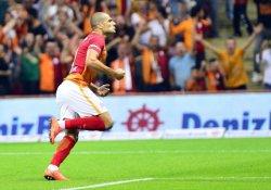 Galatasaray Rizespor'u Eren Derdiyok'un golleriyle geçti