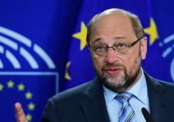 AP'den Macaristan'a referandum eleştirisi