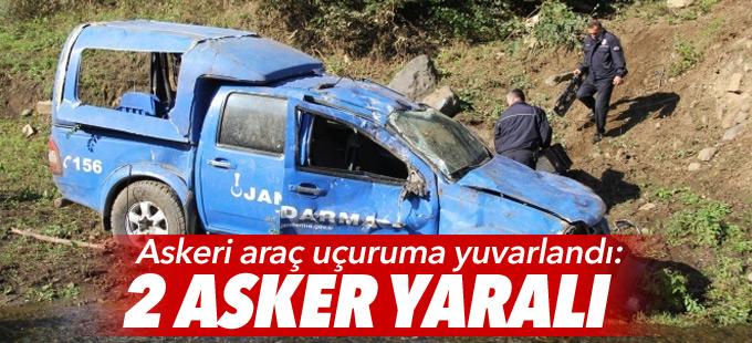 Askeri araç uçuruma yuvarlandı: 2 asker yaralı