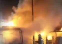 Yenibosna'da 3 otobüs ateşe verildi