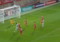 Belçikalı Benteke 8. saniyede attığı gol ile tarihe geçti