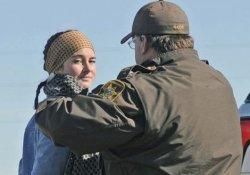 ABD'li aktrist,  petrol boru hattı protestosunda gözaltına alındı