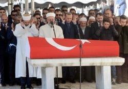 Eski Maliye Bakanı Keman Unakıtan son yolcuğuna uğurlandı