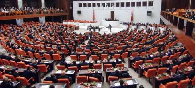 Anayasa teklifinin 1'inci maddesi kabul edildi
