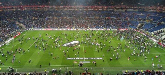 UEFA'dan Beşiktaş ve Lyon'a ağır ceza: Avrupa'dan 1 yıl men