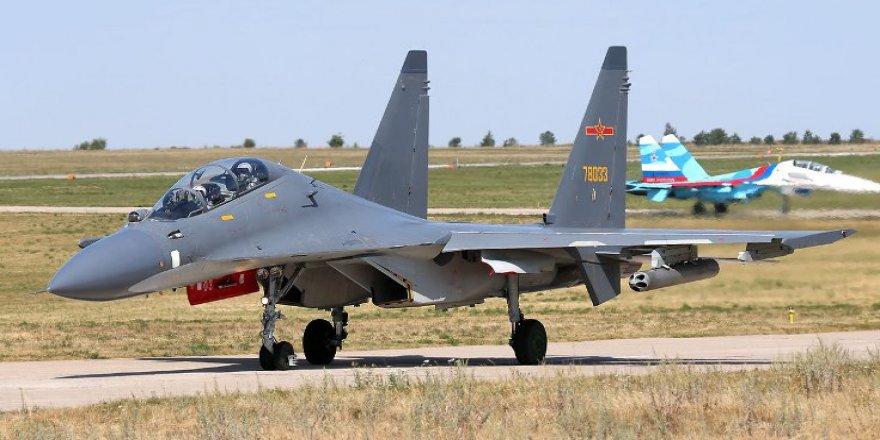'Çin, ABD uçağının önünü kesti'