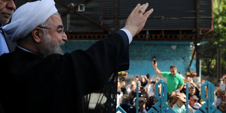 Ruhani: Suudi Arabistan'daki zirve, siyasi değeri olmayan bir gösteri