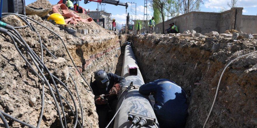 Yüksekova'da içme suyu çalışmaları sürüyor