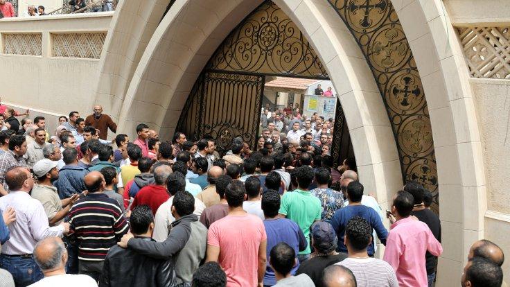 Mısır'da Kıptilere saldırı: 23 ölü