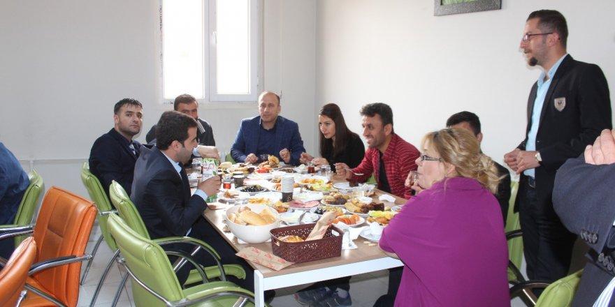 Yüksekova Toplum Ruh Sağlığı Merkezinde kahvaltı