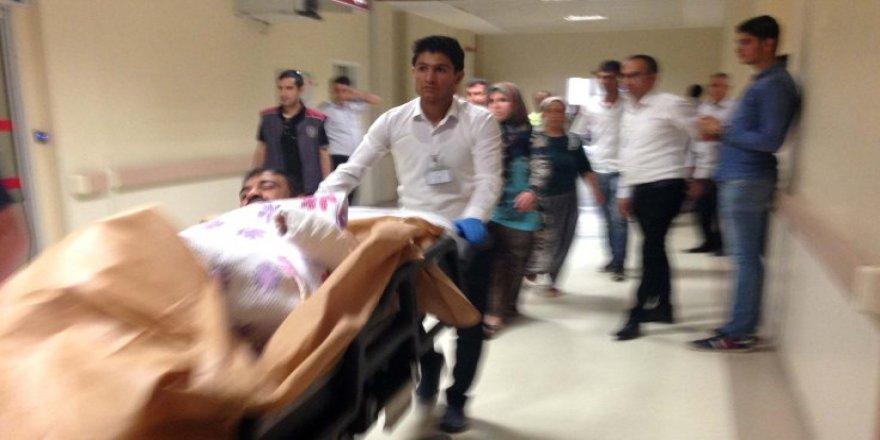 Önce yolda sonra hastanede kurşunlandı