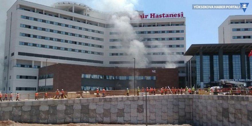 Adana Şehir Hastanesi inşaatında yangın