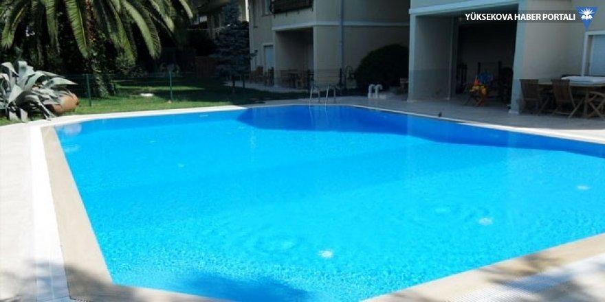 Yüzme havuzunda elektrik akımına kapıldılar: 5 ölü!