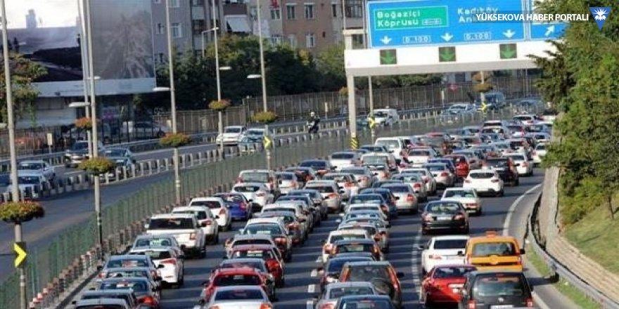 Trafikte bayramdan dönüş çilesi