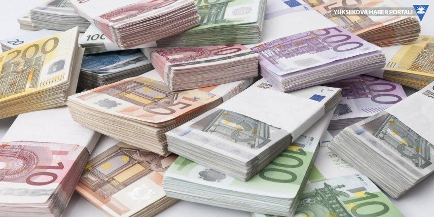 Euro 4 lira barajını aştı