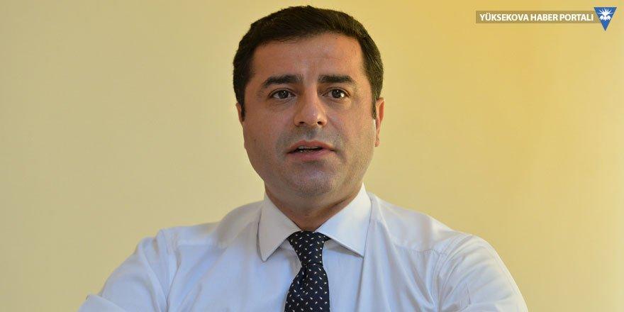 Demirtaş: Bir bakanın getirdiği Öcalan'dan yazı ile 'evet' dememiz istendi