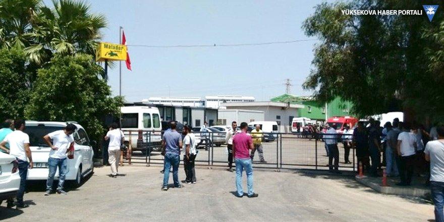 İşçileri taşıyan vinç düştü: 2 ölü, 4 yaralı