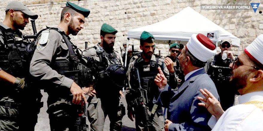 İsrail'den geri adım: Müslümanlar Mescid-i Aksa'ya dönüyor