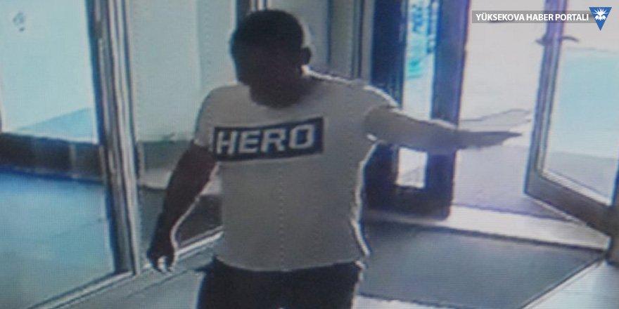 'Hero' tişörtü giyen kişi tutuklandı