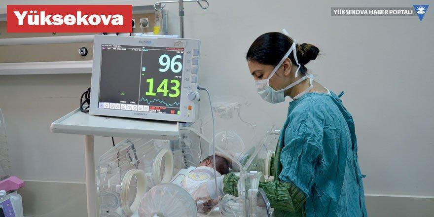 Yüksekova'da yeni doğan bebeğe başarılı ameliyat