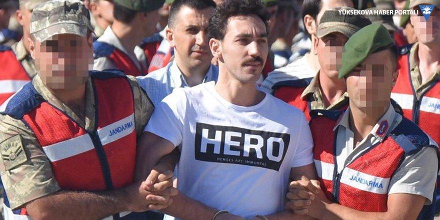'Hero' tişörtünün 'sırrı' kargoymuş!