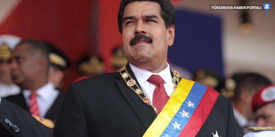 Maduro Katalonya'ya el uzattı