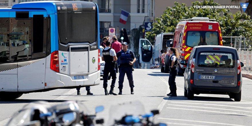 Marsilya'da araç kalabalığa daldı: 1 ölü