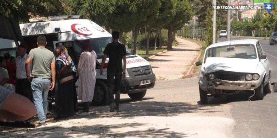 Elazığ'da iki ayrı trafik kazası: 11 yaralı