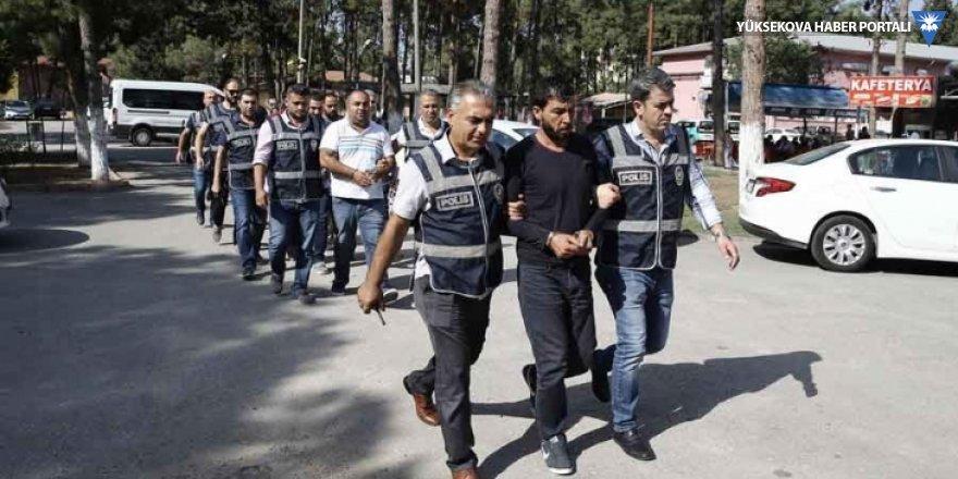 Adana'da eğlence tesisine kalaşnikofla baskın