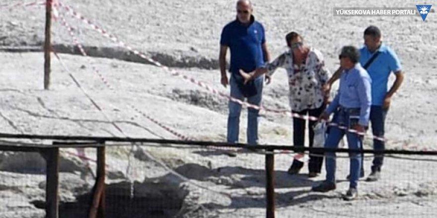 İtalya'da facia: Bir aile yanardağ kraterine düştü