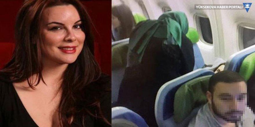 Uçakta rahatsızlanan oyuncuya Bakan Kaya müdahale etti