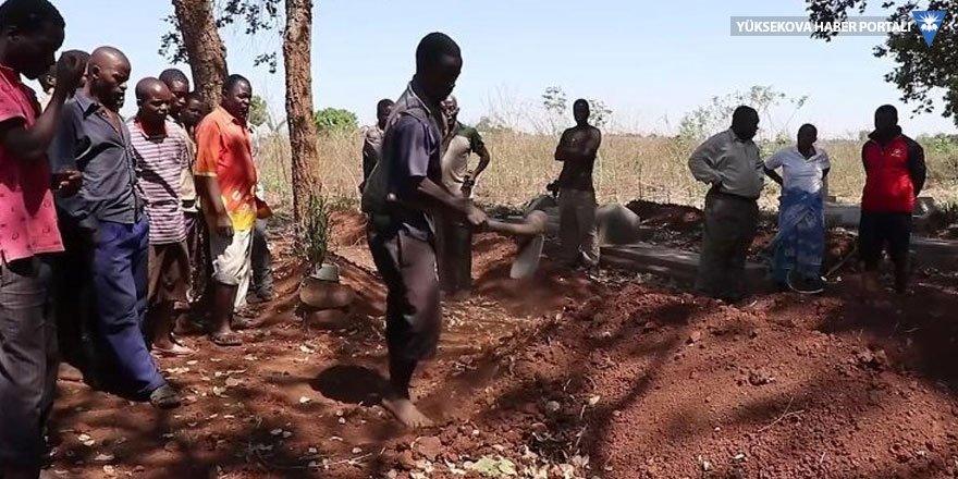 Malavi'de 'vampir avcıları' yüzünden sokağa çıkma yasağı!