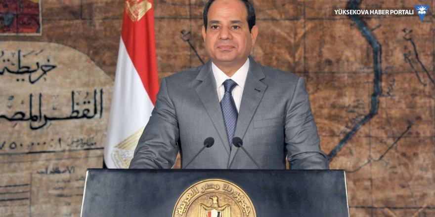 Mısır'da ekonomiyi tehdit eden sitelere girenlere hapis cezası