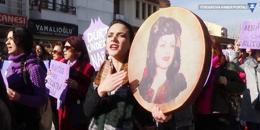 Uşak'ta kadınlar şiddete karşı yürüdü